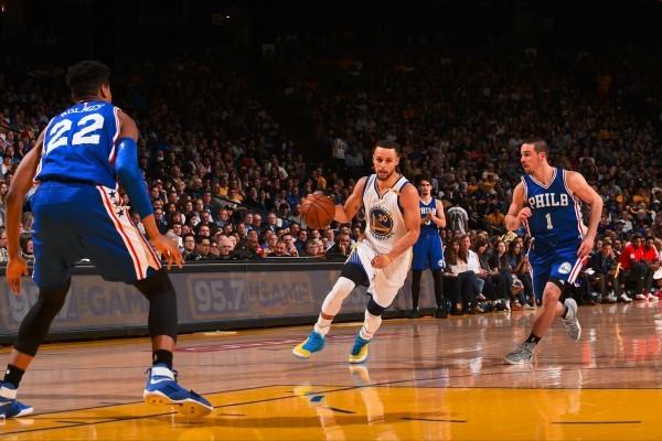 Curry cetak 29 poin di hari ulang tahunnya ke-29