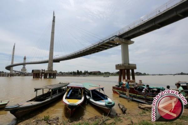 Air Sungai Batanghari Jambi memperhatinkan
