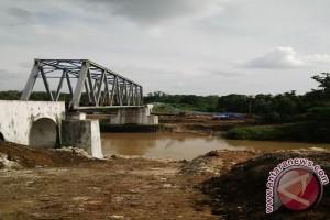 Desa di OKU Timur patungan bangun jembatan