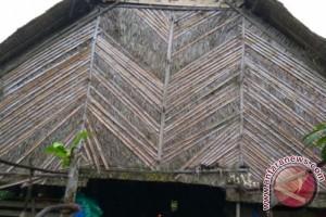 Pedalaman Mentawai, wisata ke dunia lain