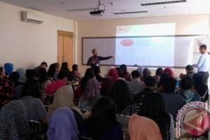 """OJK edukasi mahasiswa Palembang hindari investasi """"bodong"""""""