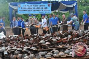 Polair musnahkan barang bukti satwa laut dilindungi