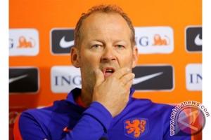 Belanda pecat pelatih timnas Danny Blind