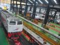 Suasana depo Stasiun Kertapati Palembang, Sumsel, Kamis (30/3). Pada masa angkutan lebaran yang ditetapkan PT KAI selama 22 hari yaitu 15 Juni hingga 6 Juli 2017, PT KAI Divre III menyiapkan 59.444 tempat duduk atau 2.702 tempat duduk perharinya dengan relasi Stasiun Kertapati-Tanjung Karang dan Kertapati-Lubuk Linggau untuk semua kelas yang mulai dapat dipesan H-90. (Antarasumsel.com/Feny Selly/Ag/17)