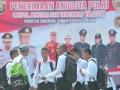 Sejumlah calon bintara Polri berbincang sebelum dimulainya acara Pakta Integritas Penerimaan Anggota Polri di Lapangan Pakri Palembang,Sumsel,Senin (17/4). Sebanyak 4.585 calon bintara dari Sumatera Selatan mengikuti seleksi penerimaan anggota Polri. (Antarasumsel.com/Feny Selly/Ag/17)