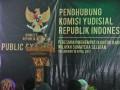 Ketua Komisi Yudisial Aidul Fitriciada Azhari memberikan sambutan pada peresmian kantor penghubung Komisi Yudisial (KY) Wilayah Sumsel di Palembang, Selasa (18/4). Kantor penghubung di Sumsel ini berfungsi untuk melakukan pengawasan, penelitian dan membantu kantor KY Pusat menangani laporan masyarakat terkait pengawasan dan kode etik hakim. (Antarasumsel.com/Feny Selly/Ag/17)