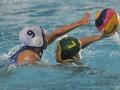 Atlet polo air putri PRSI Pengprov Jawa Barat Khanza Aqila Mazaya (kiri) berebut  bola dengan atlet polo air putri  PRSI Pengprov Jambi Denisa Muthia Putri (kanan) pada pertandingan cabor polo air U-17 Festival Aquatik Indonesia di Arena Aquatik Stadium, Jakabaring Sport City (JSC), Palembang, Sumatera Selatan, Sabtu (29/4). Tim polo air putri PRSI Pengprov Jawa Barat berhasil mengalahkan tim polo air PRSI Pengprov Jambi dengan skor 16-4. (Antarasumsel.com/Nova Wahyudi/dol/17)