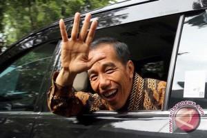 Presiden buka puasa dalam perjalanan ke Banyumas