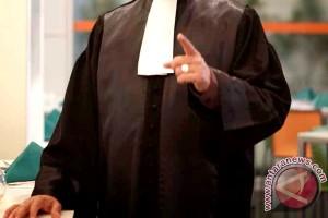 Advokat senior beri pembelaan hukum gratis