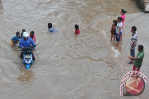 Warga minta Pemkab segera atasi banjir