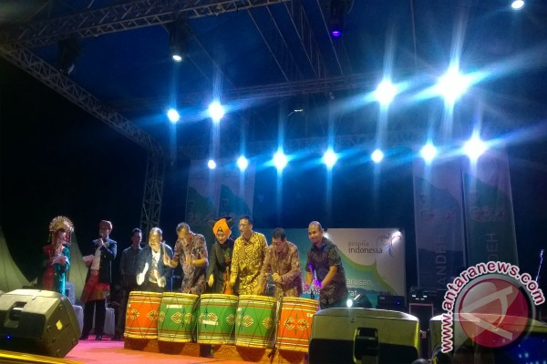 Festival pesona Mandeh pesisir selatan berkelanjutan