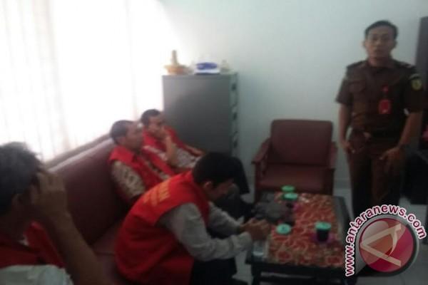 Penyidik Polres limpahkan kasus korupsi ke Kejari