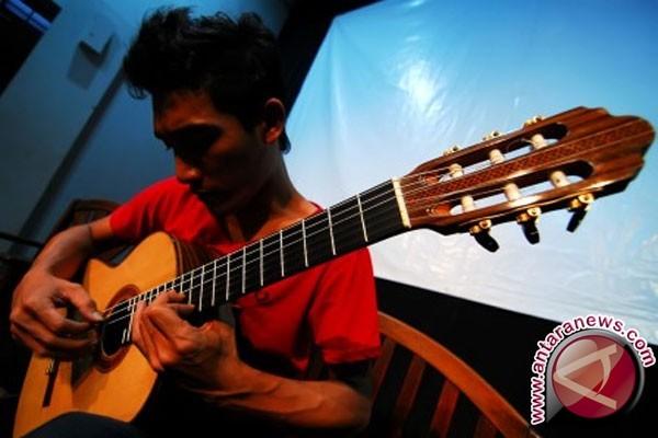 Puluhan seniman gitar klasik ikuti festival budaya