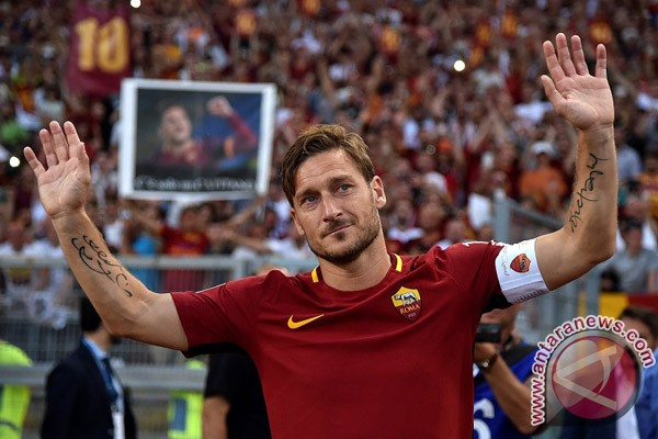 Totti ditunjuk jadi direktur Roma