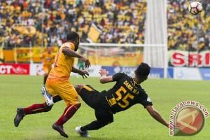 Gelandang Sriwijaya FC Ahmad Maulana segera dioperasi