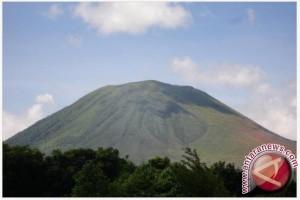 Aktivitas vulkanik Gunung Lokon di Sulut meningkat