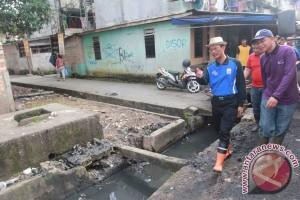 Wali Kota Palembang ajak masyarakat bersihkan lingkungan