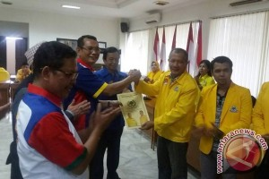 Wali Kota ambil formulir Golkar maju pilkada Palembang