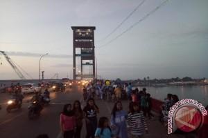 Jembatan Ampera - BKB titik utama asmara subuh