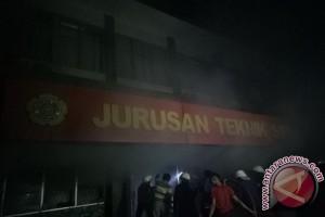 Gedung teknik sipil polsri terbakar