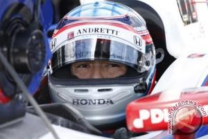 Sato menjadi pebalap Jepang pertama yang menangi INDY 500