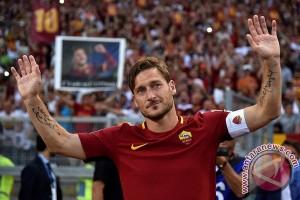 """Roma Amankan Peringkat kedua pada """"Harinya Totti"""""""