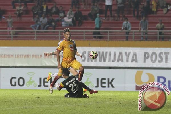 Sriwijaya FC tekuk Mitra Kukar 3-1