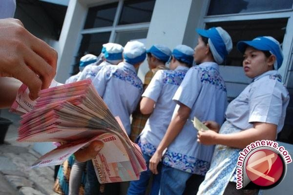 Perusahaan wajib bayar THR mulai 18 juni