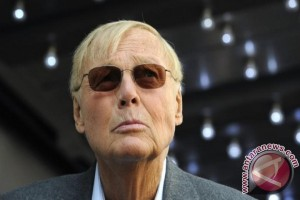 "Pemeran Film serial Televisi ""Batman"" Adam West, meninggal"