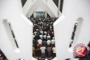 Masyarakat Banyumas antusias ingin tarawih bersama presiden