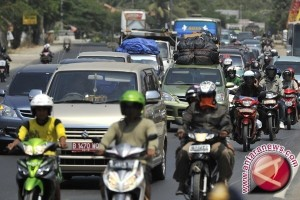 Volume kendaraan di Jalur Riau meningkat