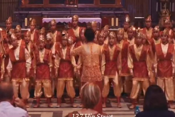 Paduan suara Resonanz juara umum di Roma