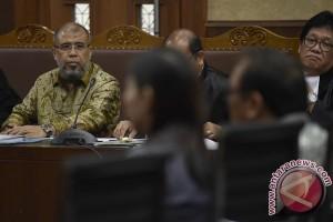 Perantara suap Patrialis divonis 7 tahun penjara