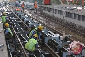 Pengerjaan fisik LRT rampung akhir 2017
