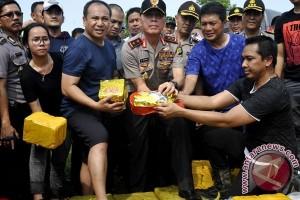 Polisi boyong ABK pengangkut satu ton shabu