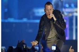 Chester Bennington vokalis Linkin Park bunuh diri