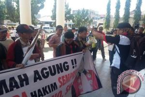 Pengadilan Baturaja didemo terkait vonis bandar narkoba