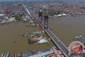 Pemkot Palembang percantik Jembatan Ampera