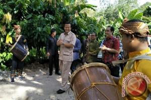 DPR minta kementerian buat program manfaatkan hutan