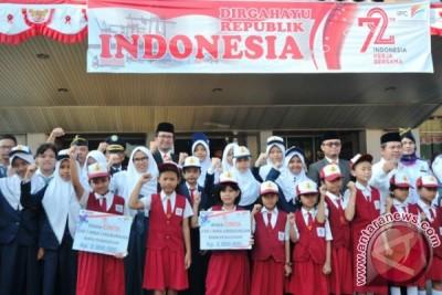 BUMN Hadir Untuk Negeri, Pelindo II serahkan bantuan pendidikan