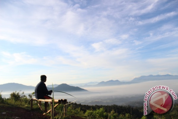Menjajal wisata tangga 1.000 gunung manglayang