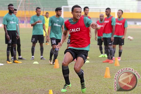 Pelatih: Lini belakang Sriwijaya FC kurang solid
