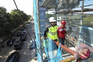 Menteri BUMN Tinjau LRT Palembang
