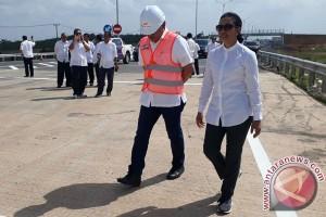 Menteri BUMN tinjau pembangunan Tol Palindra