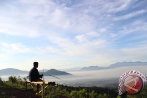 Ekspedisi 28 gunung di Indonesia