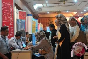 Minat pencari kerja di Palembang menurun