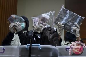 Hakim PN Jaksel bantah tahu uang suap
