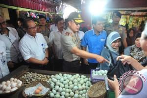 Kapolda sidak sembako di Pasar Lemabang Palembang