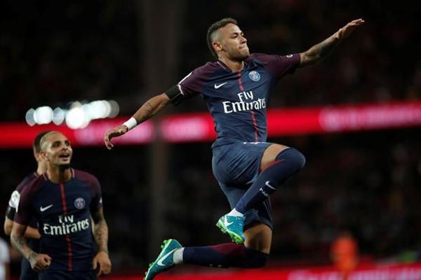 Neymar menjadi eksekutor penalti saat PSG hancurkan Bordeaux