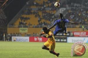 Pelatih: Lini belakang Sriwijaya FC kropos